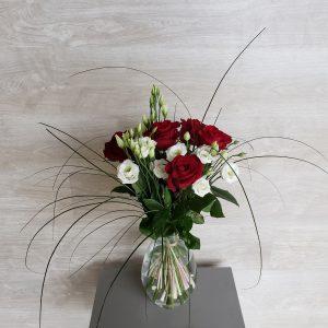 Bouquet de roses rouges et lisianthus blancs Marie Danède 4